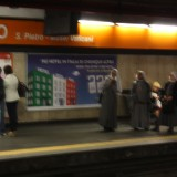 Nonner i undergrunden, Foto: Charli