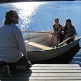 I en lille båd der gynger.....