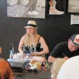 Diverse kunstnere maler, tegner eller airbrucher   Foto: Charli