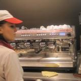Seriøs kaffebrygger     Foto; Charli