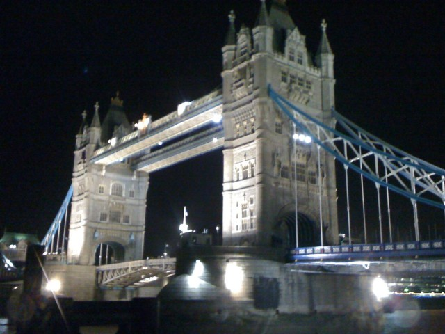 Tower bridge   Foto; Charli