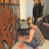 Rikkemai signerer lige baggrunden   Foto: Charli