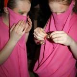 Haremspigerne filtrer klokker ud       Foto: Charli