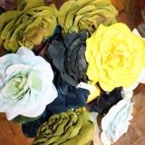 E&L silkeblomster til hår, revers eller hvor du ønsker     Foto: Charli