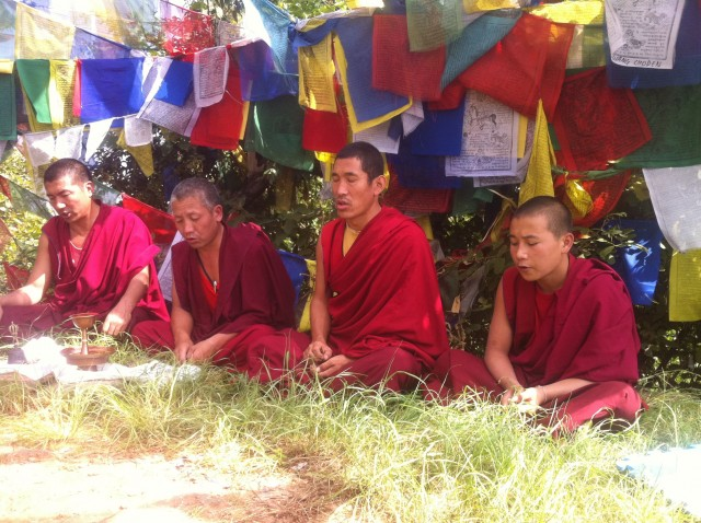 Blessings på toppen af Guru Rinpoches bjerg    Photo- Charli