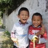 2 vidunderlige unger fra børnehjemmet   Photo: Charli
