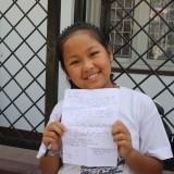 Smukke søde Dikey med sit pennevenne brev   Photo: Charli