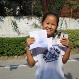 Dickey med hendes breve til mine tvillinger    Photo: Charli