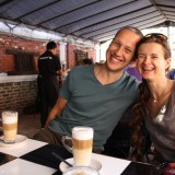 Wifi-friendly Flayvour café, hvor dværge, syns og hørehæmmede arbejder. Rikke sammen med vores nye svenske buddistiske ven       Photo: Charli
