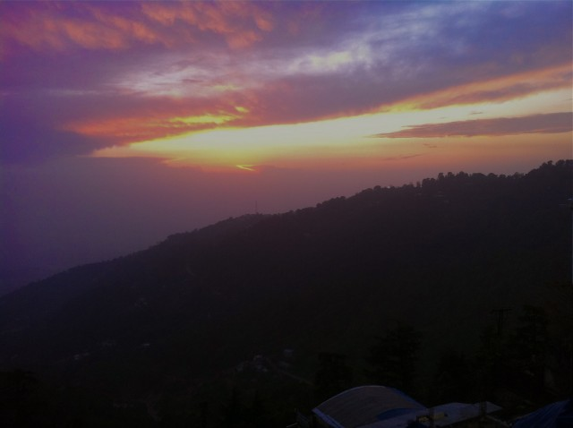 Solnedgang over Himalaya    Photo- Charli
