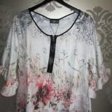 Blomstret bluse fra Style Butler, xx kr.