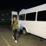 Bussen bliver læsset med vores sparsomme baggage og vi kører mod havnen     Foto: Charline Skovgaard