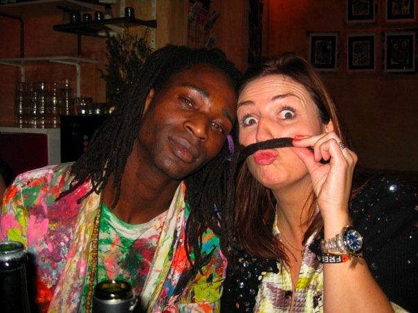 Moussa og jeg knaldhygger på Kate´s joint    Foto: Aura