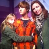 Fiona, min svigersøn Justin Bieber og mig    Photo: Charlisblog