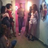 Jeppe Ronde instruerer pigerne i bordel scenen      Photos: Charline Skovgaard