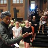 Koreograf instruerer modellerne på podiet   Photo: Charli Skovgaard