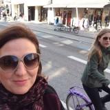 Ego og Fiona på Jopo cykler på en helt øde Vesterbrogade  Photo: Charline Skovgaard