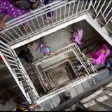 Cheap labor sewing ladies in Bangladesh