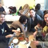 Vi blir alle budt på vidunderlig frokost op til 3 gange og var rundt og spise hos 3 forskellige syriske familier.
